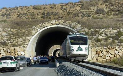 Renfe prevé utilizar el tren híbrido sin esperar a la variante de Camarillas