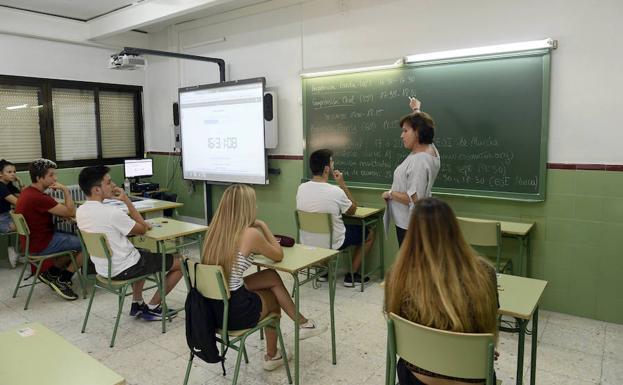 Más de 4.000 alumnos de cuarto de ESO se examinan del B1 de inglés ...