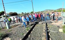 Vecinos de Tercia exigen un paso subterráneo en el Camino de Villaespesa