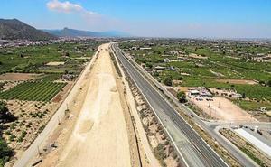 Convocan a grupos políticos y colectivos vecinales para tratar de anular las autovías del 'bancal' y del Reguerón