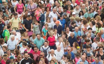 Miles de murcianos acompañan a su Patrona