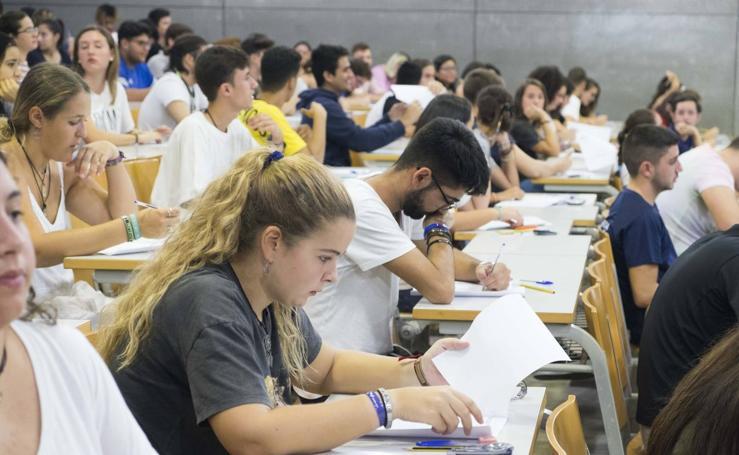Más de 300 jóvenes se examinan de Selectividad en la UPCT