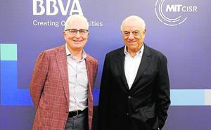 Francisco González anuncia que «el siguiente paso para BBVA será crear su propio ecosistema»