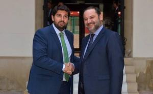 El ministro Ábalos anuncia que el tren híbrido entrará en funcionamiento el lunes