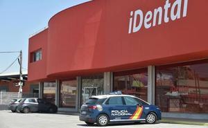 La Policía Nacional registra la clínica de iDental en Murcia