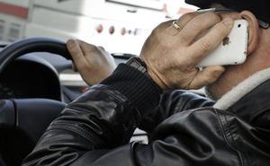 Agentes municipales controlarán que los conductores no usan el teléfono móvil al volante