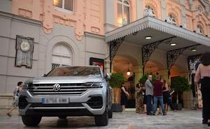 Volkswagen Touareg brilla con luz propia junto a la asociación 'Hay un tigre detrás de ti'