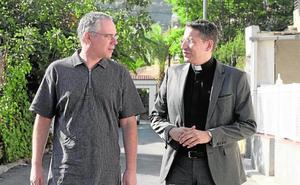Un pedáneo holandés y un sacerdote polaco en Santo Ángel