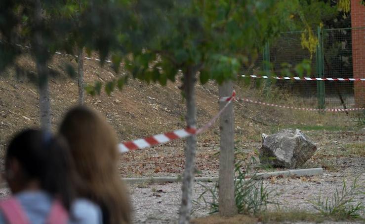 La 'gota fría' provoca la caída de rocas en los alrededores de un instituto de Torreagüera
