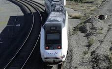 Una avería en el tren Madrid-Cartagena obliga a trasladar a los pasajeros en autobús