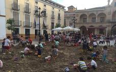 Los castillos de arena toman la Plaza de España de Lorca en los Juegos del Guadalentín