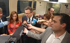El PP critica que Conesa se subiera a «ese mal plagio» del AVE