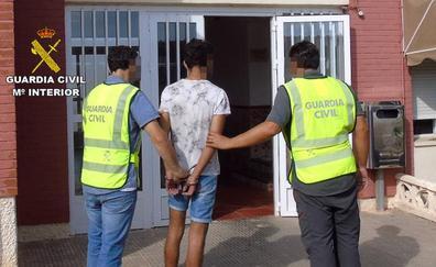 Dos detenidos por más de una veintena de robos en el Mar Menor