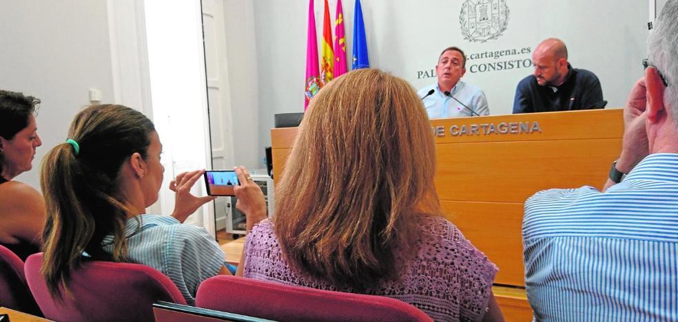 El PP se lanza contra Castejón y le fuerza a explicar en el Pleno la crisis de su gobierno
