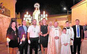 Concurrida procesión de la Virgen del Rosario