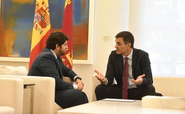 López Miras se reúne con Pedro Sánchez en el Palacio de la Moncloa