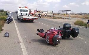 Dos heridos en el accidente entre un coche y una moto en Fuente Álamo