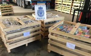 Intervenidos más de mil kilos de hachís ocultos en un camión de sandías en Lorca