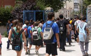 CC OO denuncia que el IES Jiménez de la Espada tiene dos clases con 43 y con 45 alumnos