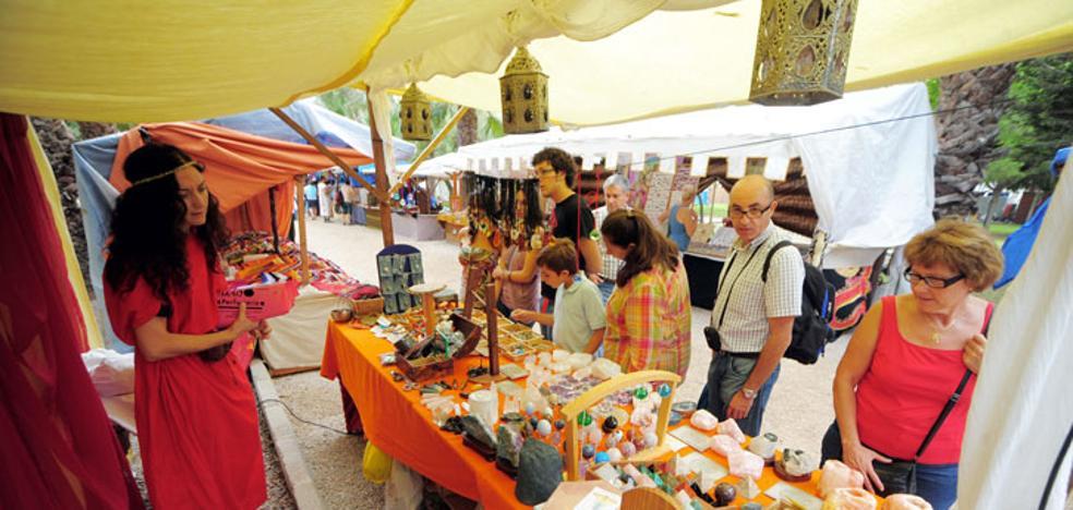 El mercado de época festero tendrá más puestos y abrirá hasta las tres de la mañana