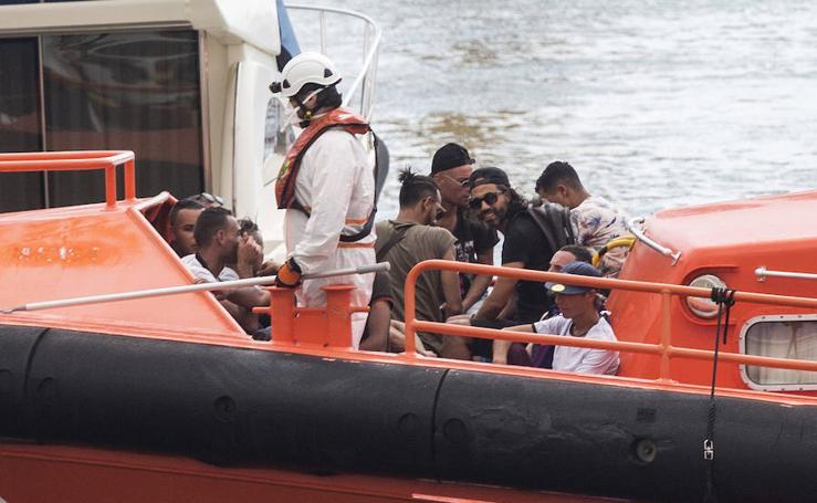 Interceptan una patera con 20 inmigrantes a bordo en Cartagena
