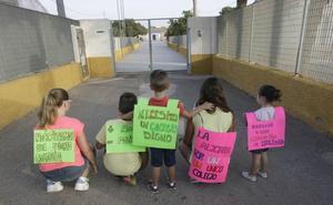 Los alumnos del Miguel de Cervantes de La Aljorra no acudirán al colegio por falta de un aula prefabricada