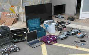 Detienen a los presuntos autores de más de 50 delitos contra el patrimonio en la Región y Alicante