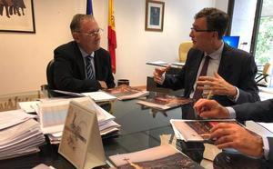 Ballesta pide al Ministerio un convenio para agilizar los trabajos en el castillo de Monteagudo