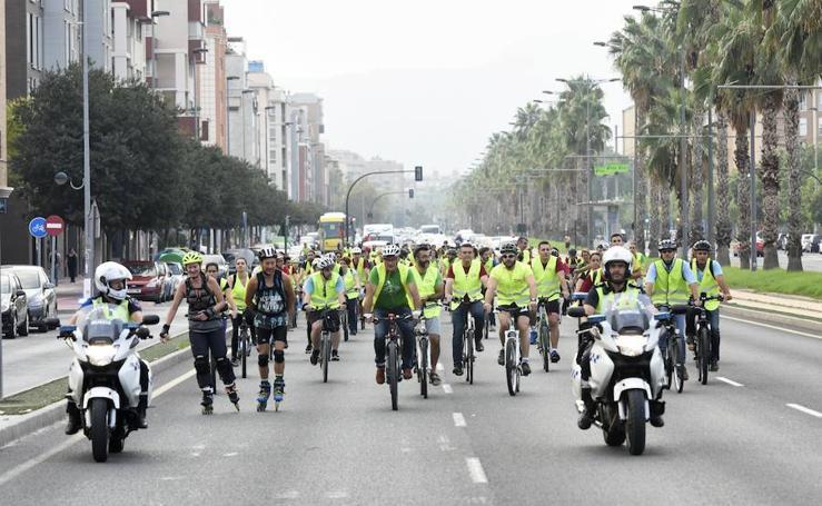Al campus en bici para dar ejemplo