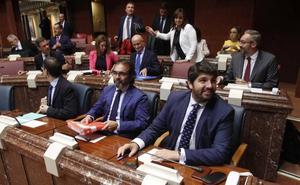 López Miras: «Ni el agua ni la Región de Murcia están en la agenda del Gobierno de España»