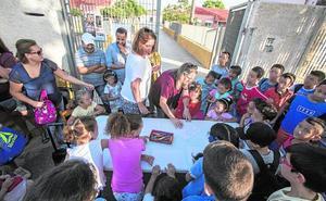 Padres de La Aljorra exigen un aula prefabricada