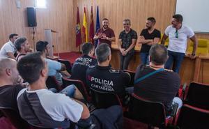Los sindicatos reclaman ahora otros 165.000 euros en horas extra de los policías locales