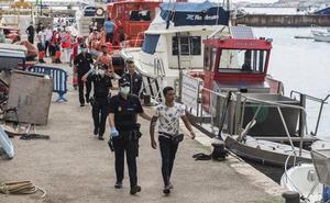 El número de inmigrantes rescatados se eleva a 205