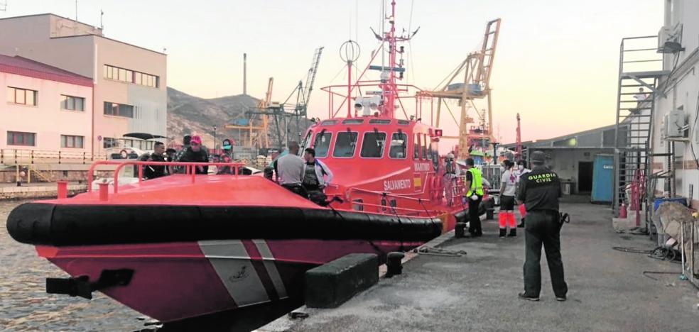 Otras cinco pateras elevan a 223 la cifra de inmigrantes llegados a la costa en dos días