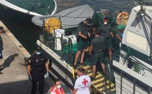Interceptadas otras cinco pateras en la costa de Cartagena