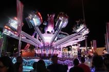 El encendido de las atracciones del Huerto de la Rueda abre 10 días de feria