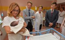 La reforma de maternidad del hospital de Lorca mejorará el postparto de 1.500 mujeres al año