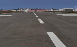 El estruendo de un avión maniobrando sobre Cartagena inquieta a decenas de vecinos