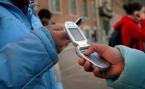 Los españoles olvidan información privada en los móviles vendidos
