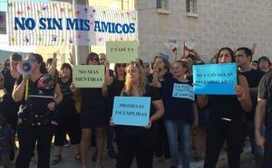 Protesta por los retrasos en las obras de ampliación del CEIP Juan Carlos I de La Unión