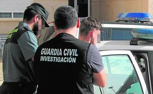Detenidos dos jóvenes por una decena de robos en chalés de San Javier