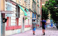 Un nuevo plan en La Paz trata de prevenir el alto abandono escolar de niñas gitanas
