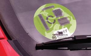 ¿Dónde se consiguen las etiquetas de la DGT? Ahora las puedes comprar a un paso de casa