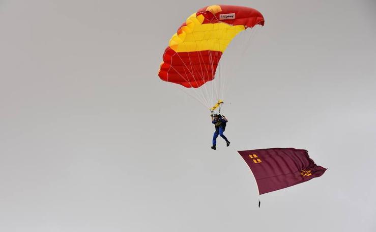 Nuevo curso en la Escuela Militar de Paracaidismo 'Méndez Parada'