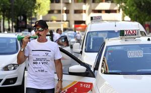Los taxistas de Murcia se manifestarán por la falta de información sobre los transportes a Corvera