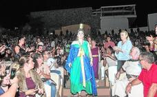 La diosa une a 200 mujeres y conjura la lluvia