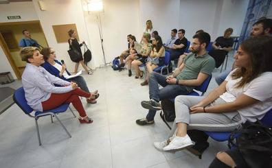 El Gobierno regional fomenta entre los estudiantes de la UMU la transparencia y la participación