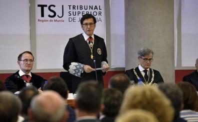 El presidente del TSJ critica que los bancos «lastren» sin justificación el juzgado de cláusulas suelo