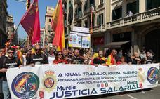 Policías murcianos rinden homenaje a los agentes del 1-0 en Barcelona