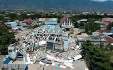 La catástrofe tras el tsunami en Indonesia a vista de pájaro